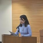アピール案を提案する小形晴香・青年女性委員会幹事