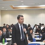 質疑応答で発言する、電力総連・諸橋誠敏さん